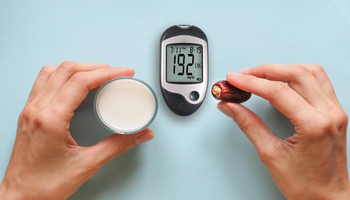127-102841-ramadan-fasting-diabetics-tips-safe-health_700x400