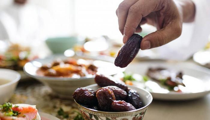 135-115912-health-benefits-fasting-month-ramadan_700x400