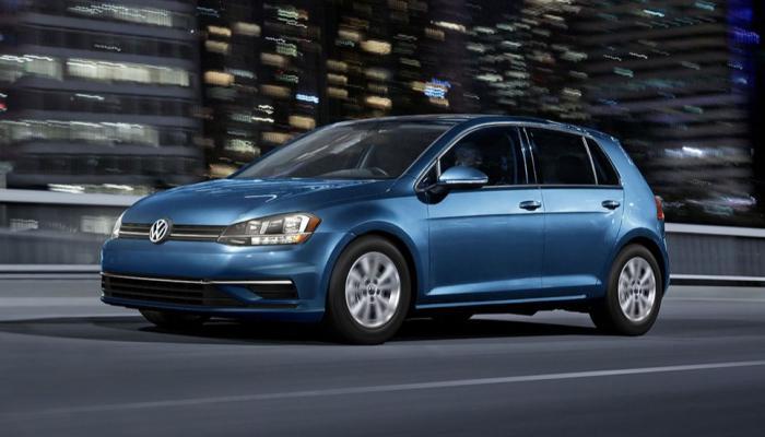 143-102914-best-gas-mileage-nonhybrid-cars_700x400