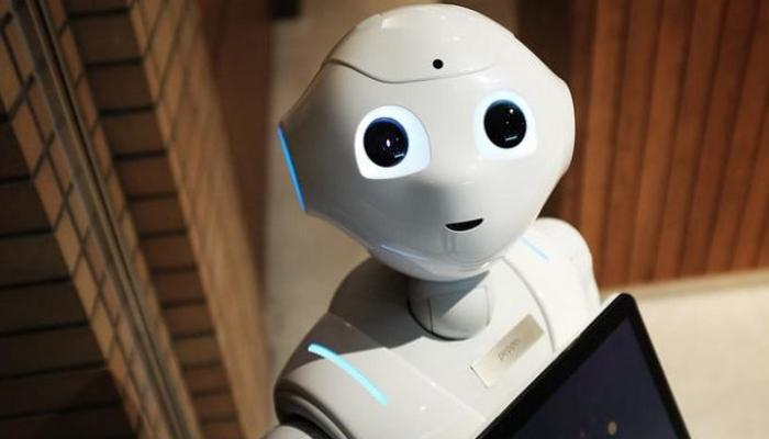 143-121648-pepper-first-robot-think-out-loud_700x400