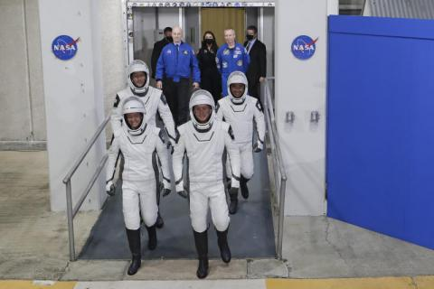SpaceX_Crew_Launch_62704–f0f52